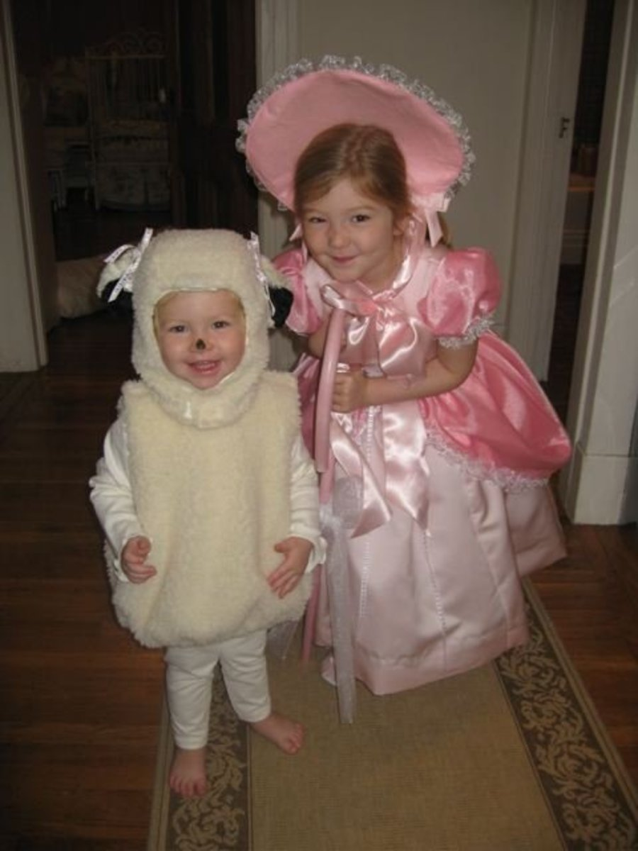 Sisters as Little Bo Peep and Her Sheep