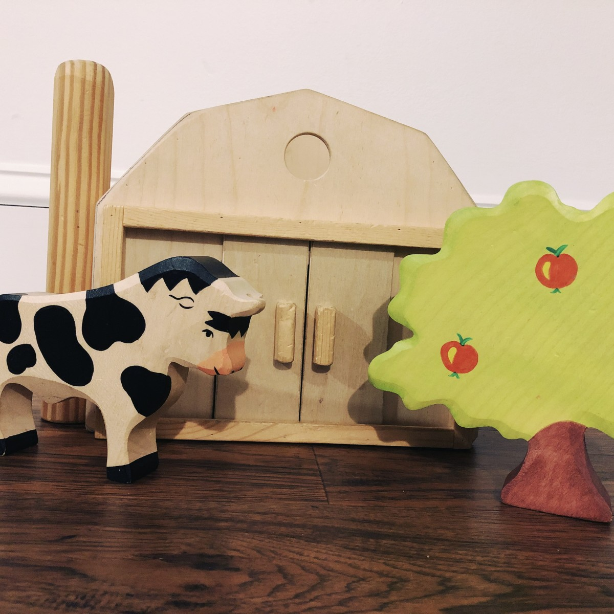 Beautiful, natural play materials let your children retell the stories in books.
