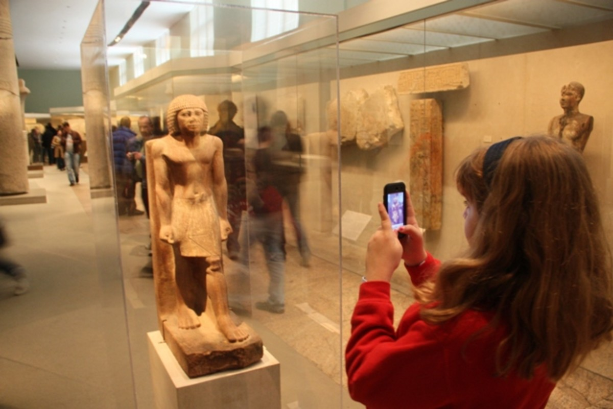 Photographing Ancient Greek art at the Met