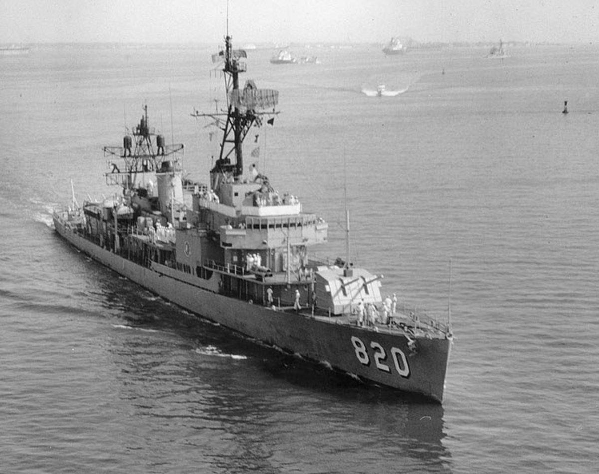 The U.S. Navy Gearing-class destroyer USS Rich (DD-820) underway probably during the 1970s, By USN (U.S. Naval Historical Center Photograph NH 99851) [Public domain], via Wikimedia Commons