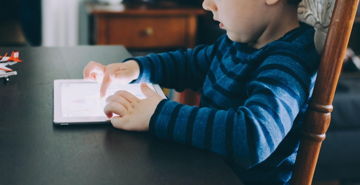 Websites, games, and other online educational resources have both advantages and disadvantages for children.