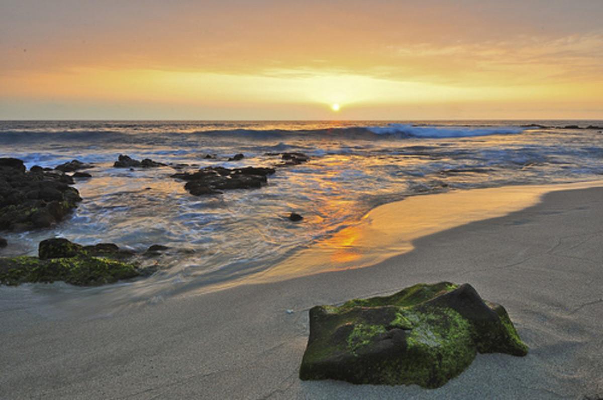 Sunset at a Kona Beach
