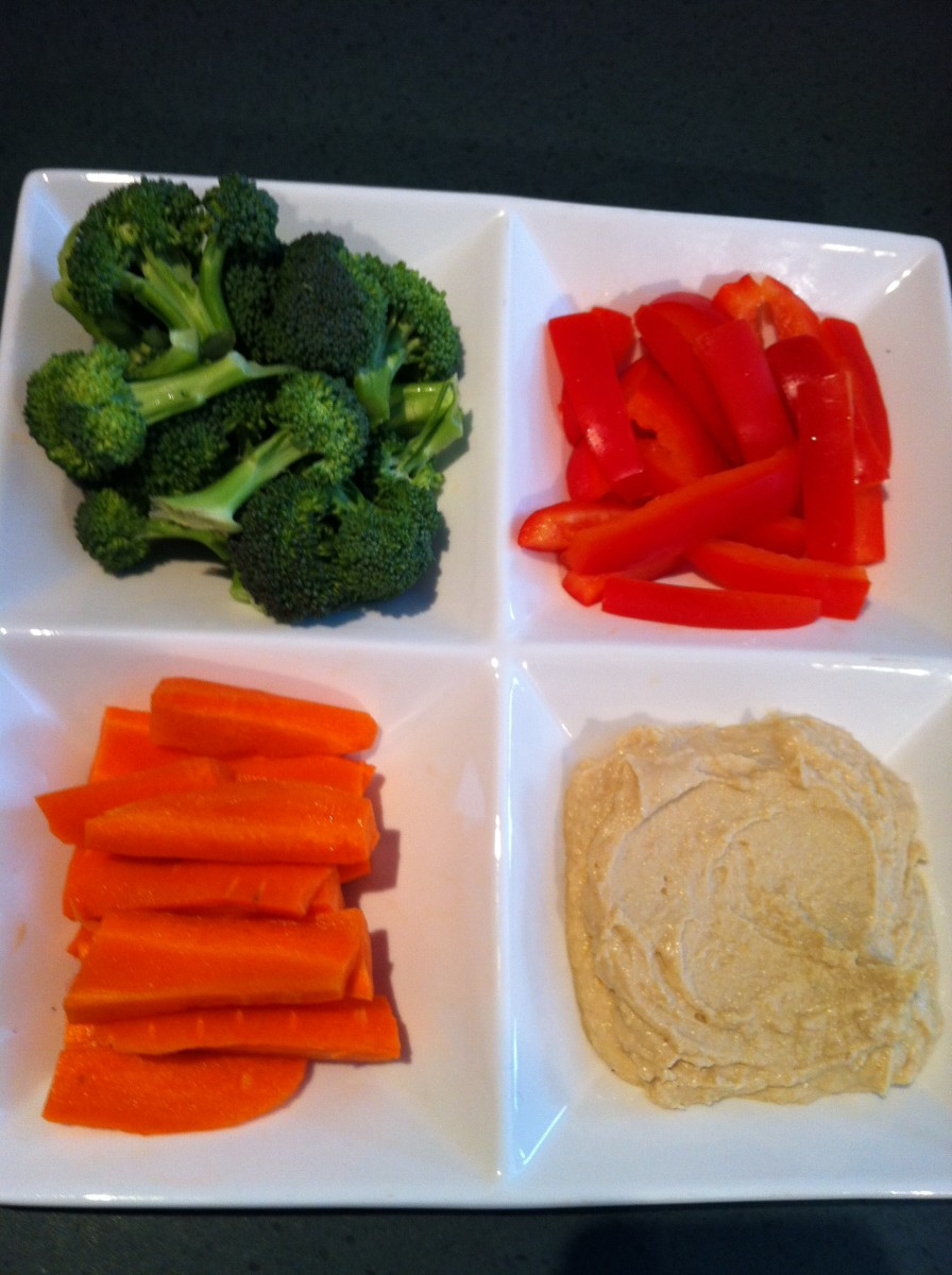 Raw vegetables and hummus is a healthy snack