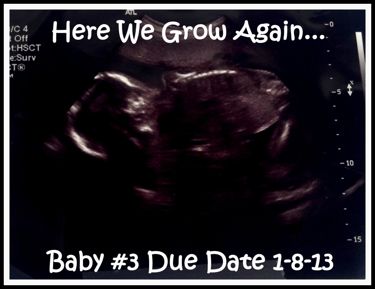 Use your ultrasound picture as a cute announcement photo card.