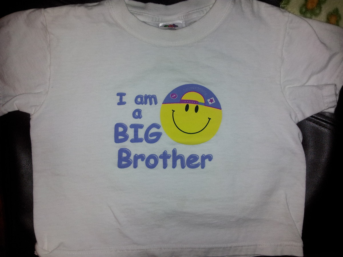 Have your son wear a I'm a Big Brother t-shirt to announce your pregnancy!