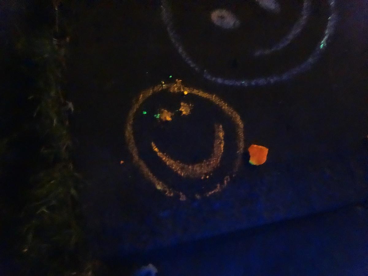 Orange glow chalk