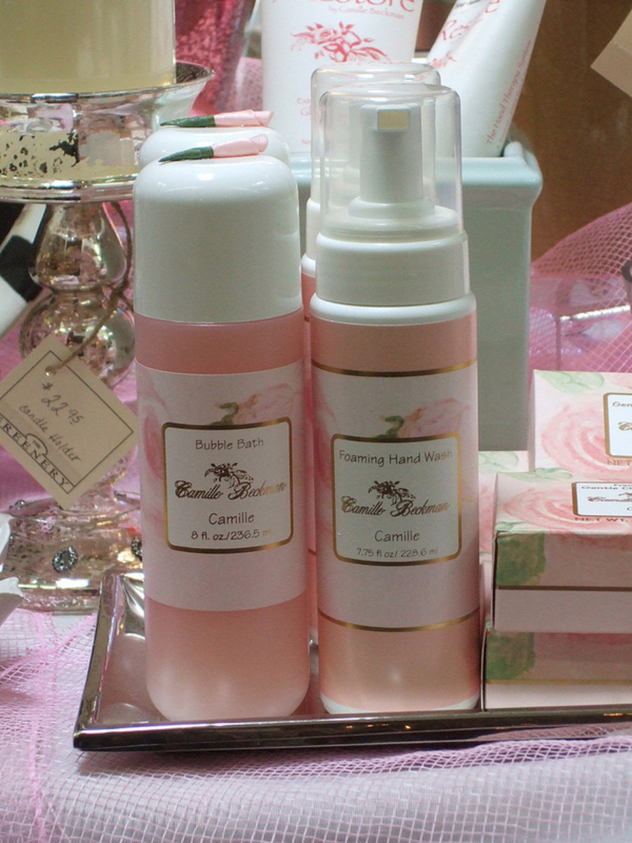 A nice present for your daughter when she begins her period is a bath gift set.  This will honor her changing body as well as encourage her to take care of herself.
