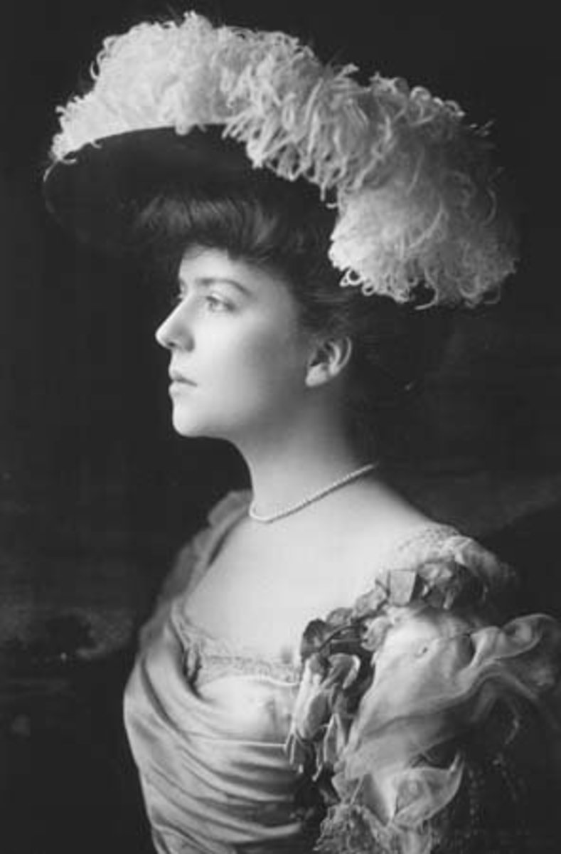 Black sheep Alice Roosevelt Longworth was beautiful and impossible to control.