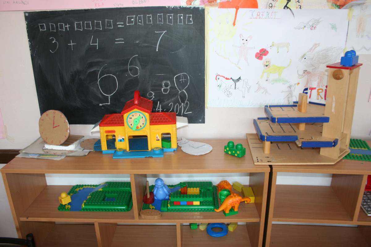 Classrooms can be a positive or negative environment for children who have autism depending on how they arranged and how the children and adults act and react to them and each other.