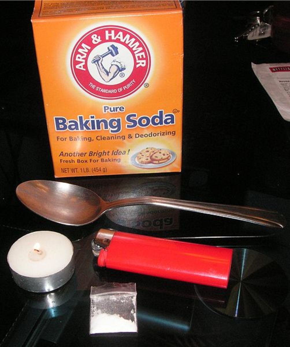 Typical paraphernalia for making crack cocaine.