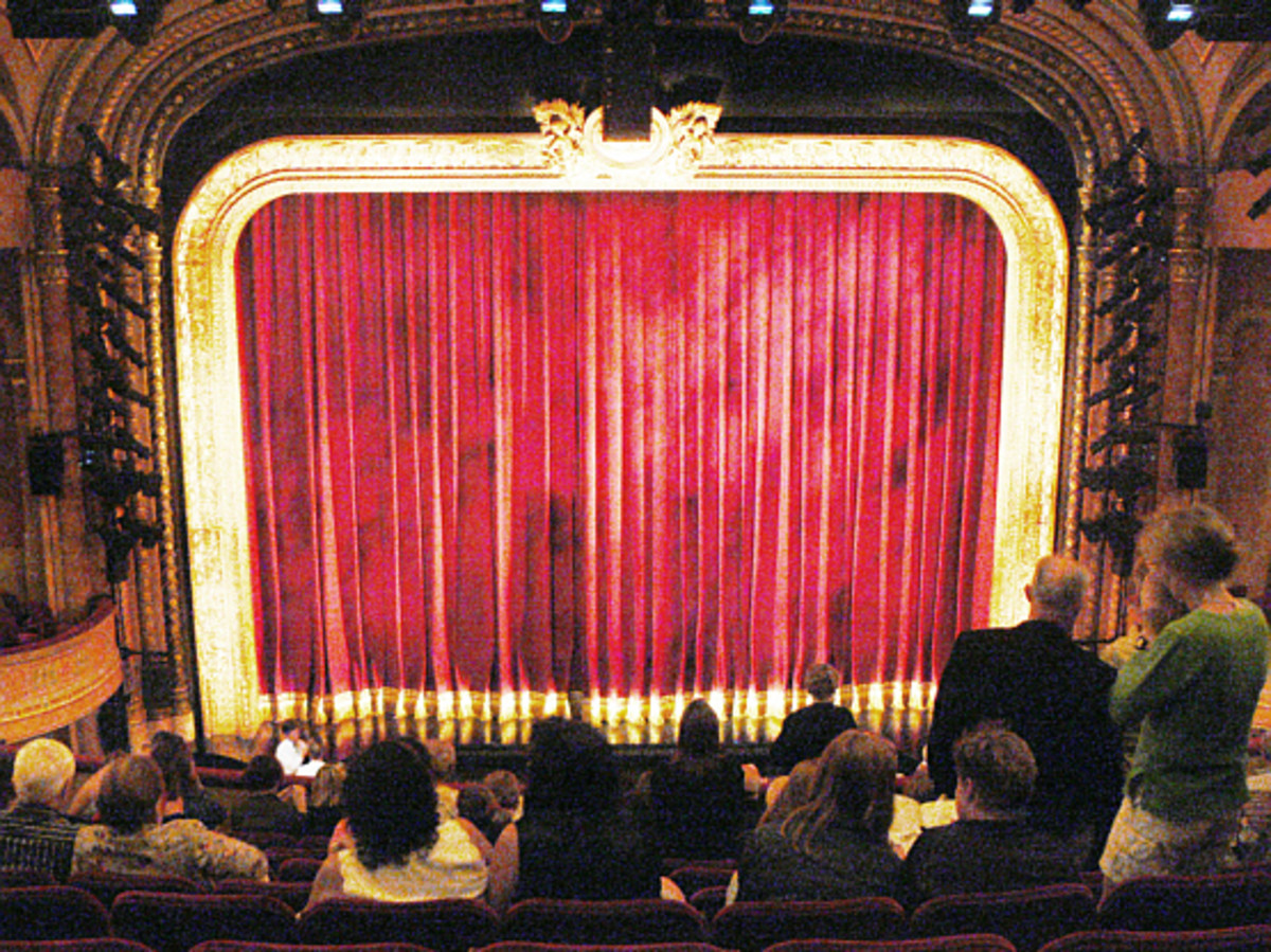 Seeing a matinee play can be a fun and educational field trip.