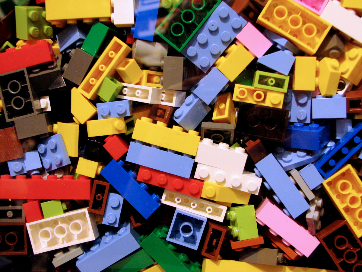 Legos. Oh, the endless hours of fun these things provide (and sore feet when you inevitably step on them)!