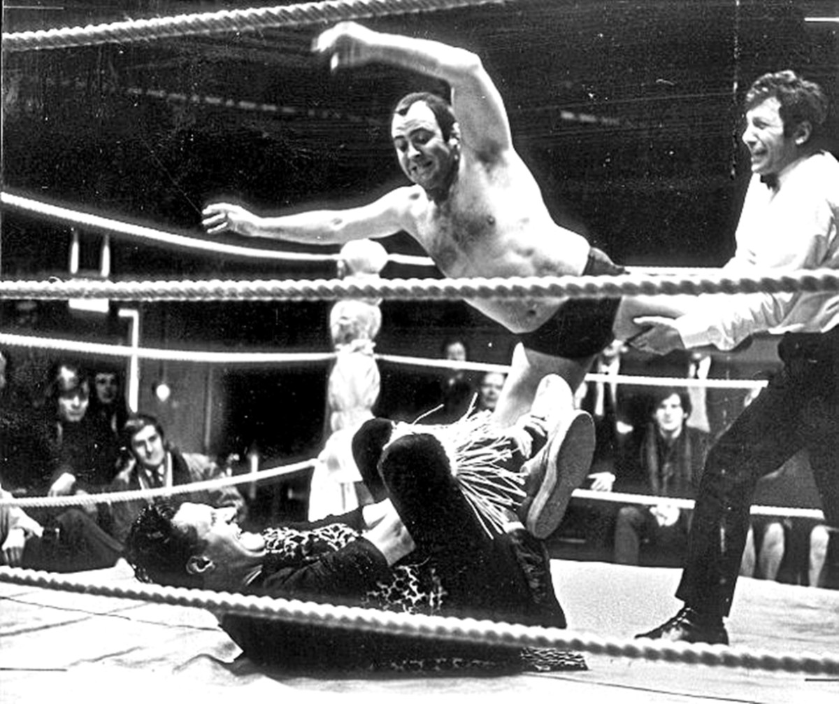 The late Mick McManus, superstar wrester of the '70s, in action. He was one of my grandma's favourites, but I found him terrifying!