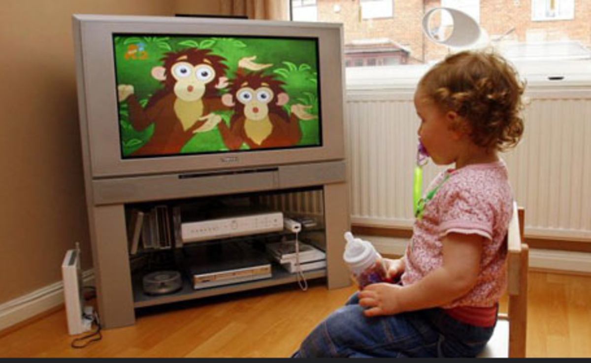 The American Academy of Pediatrics recommends that kids under 2 watch no television at all.
