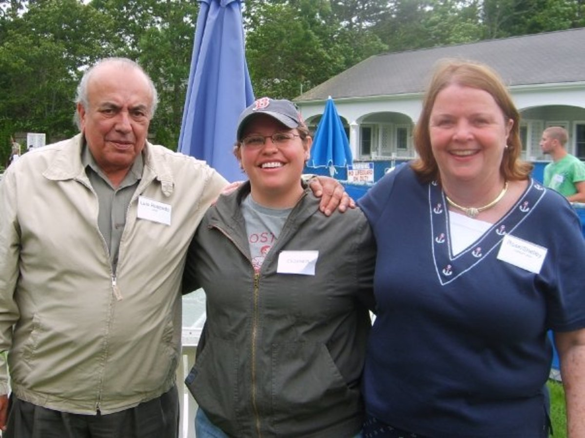 Liz with  her parents  at a  family reunion on Cape Cod 2009