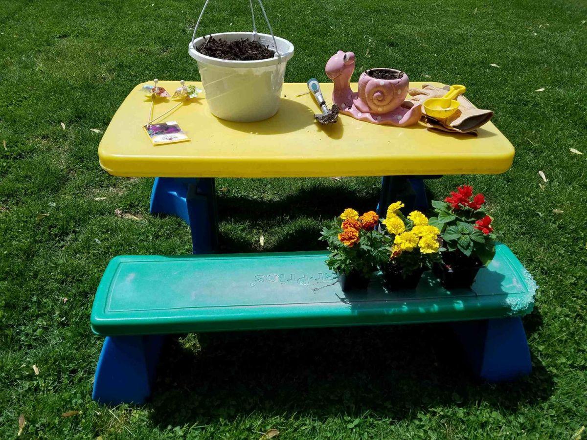 Kids Planting Station