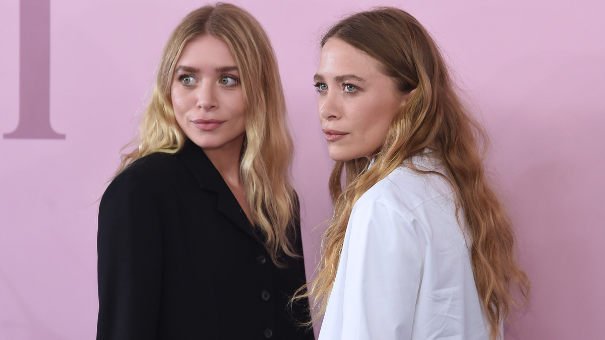 Ashley and Mary-Kate Olsen are twins and middle siblings.