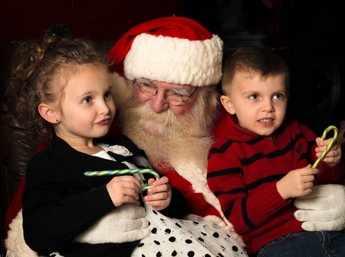 Low-Sensory Santa evens help kids with Aspergers.
