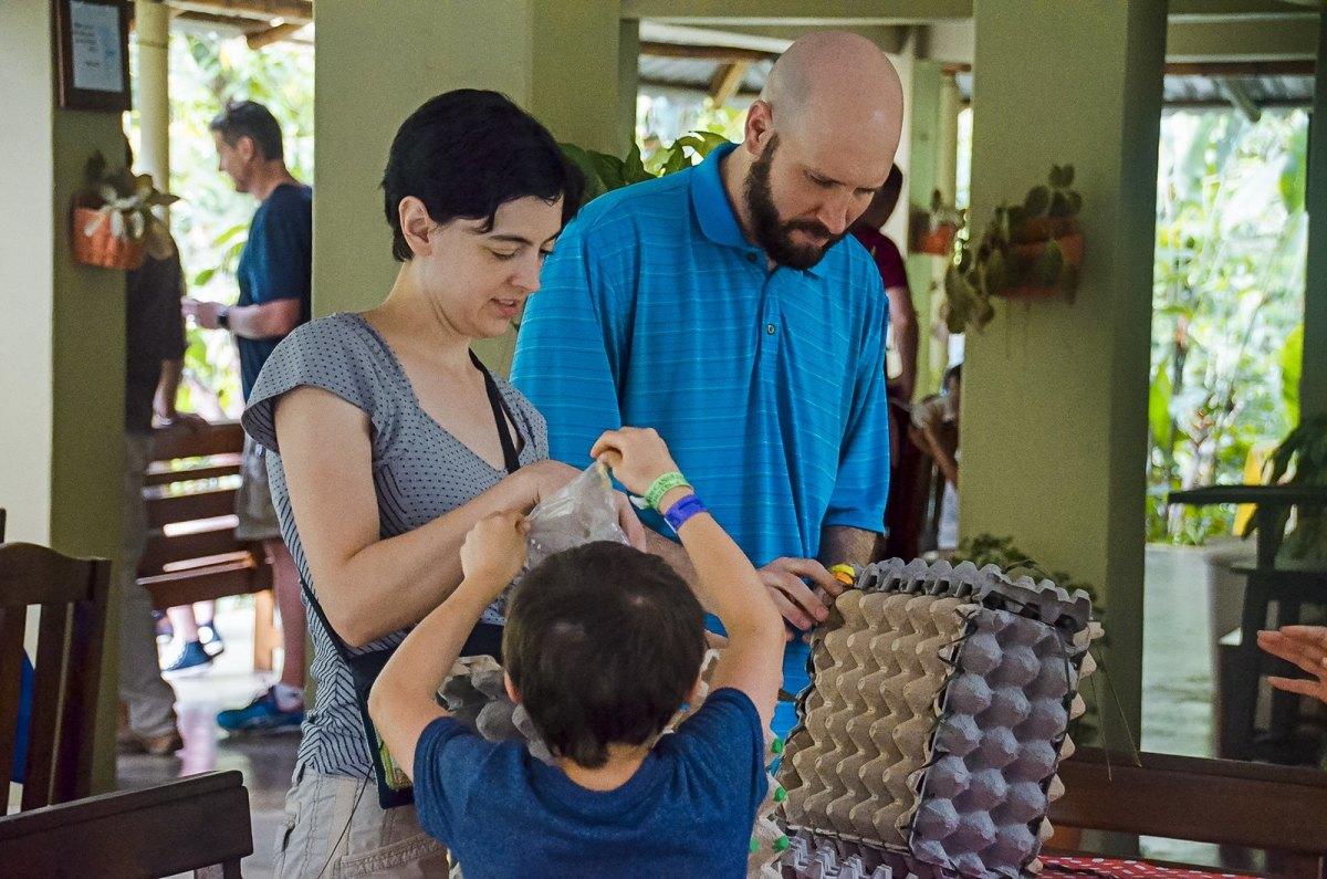 Family volunteering can help model prosocial behavior in children