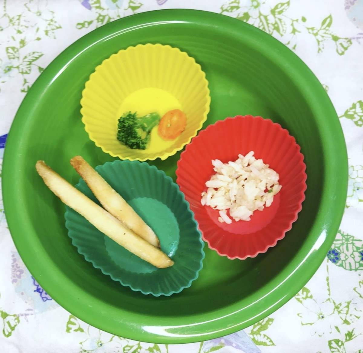 Three Foods Method for getting a toddler to try new foods