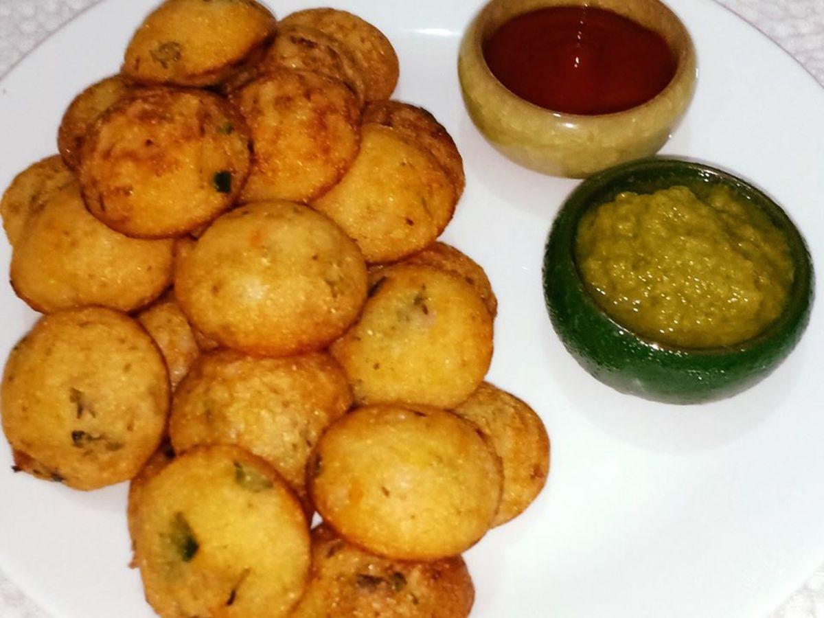Instant Rava Appe Recipe (Savory Semolina Pancake Puffs)