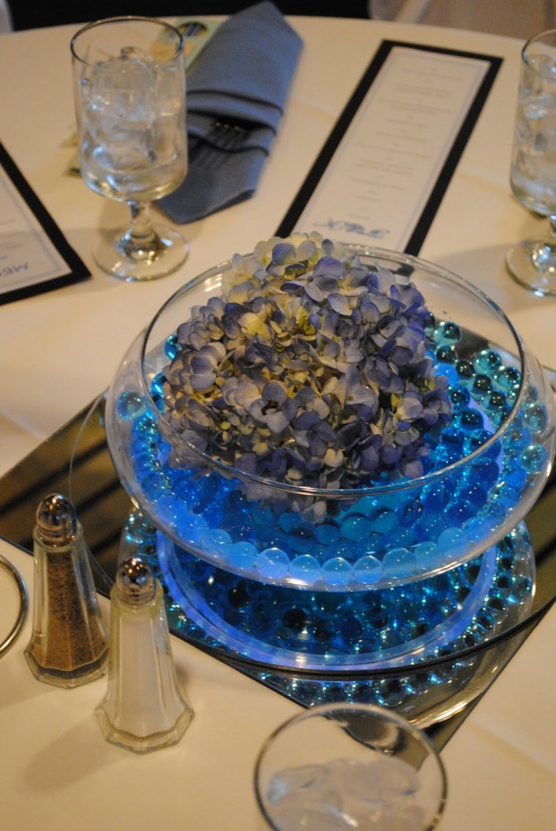 centerpiece using glow sticks