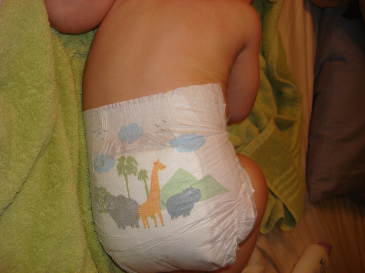 Back of size 3 Simply Right diapers.