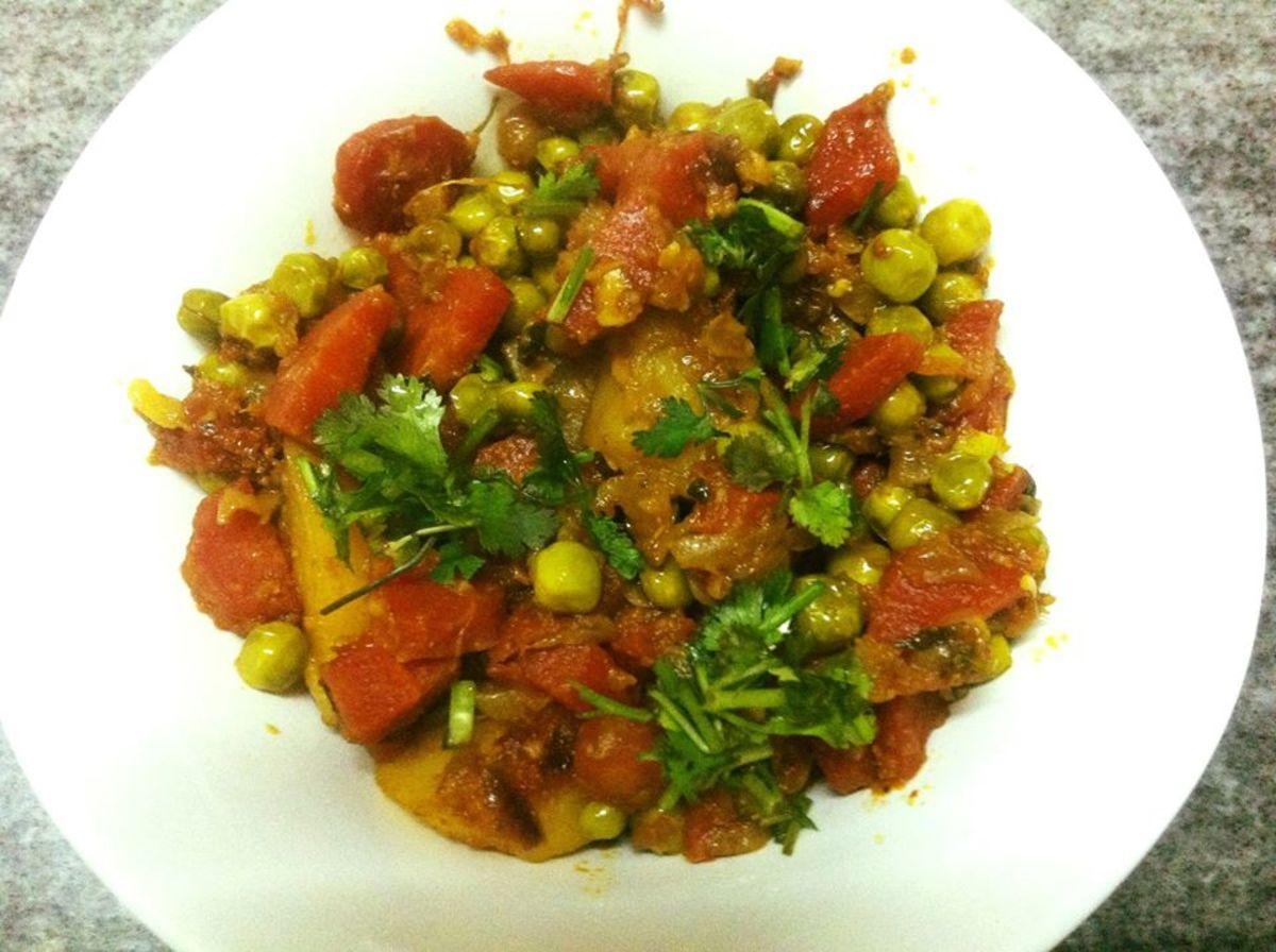 Aloo Gajar Matar Ki Sabzi (Potato Carrot and Peas Curry)