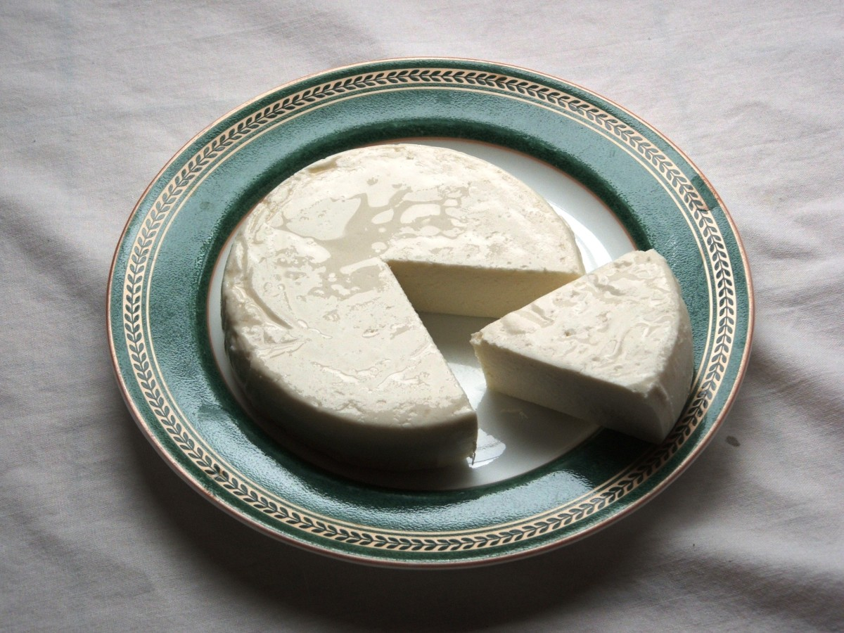 Fresh queso fresco, also called queso blanco.