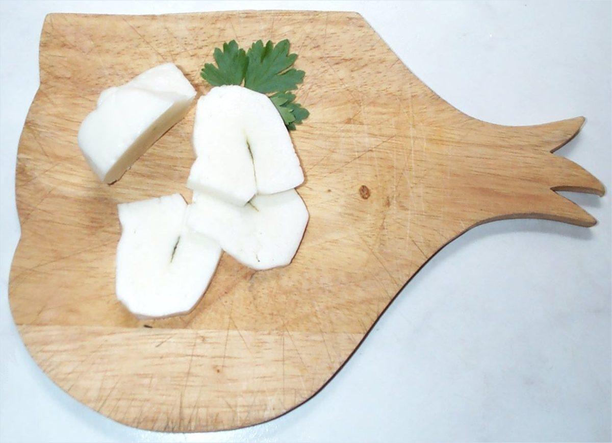 Fresh sliced halloumi cheese.