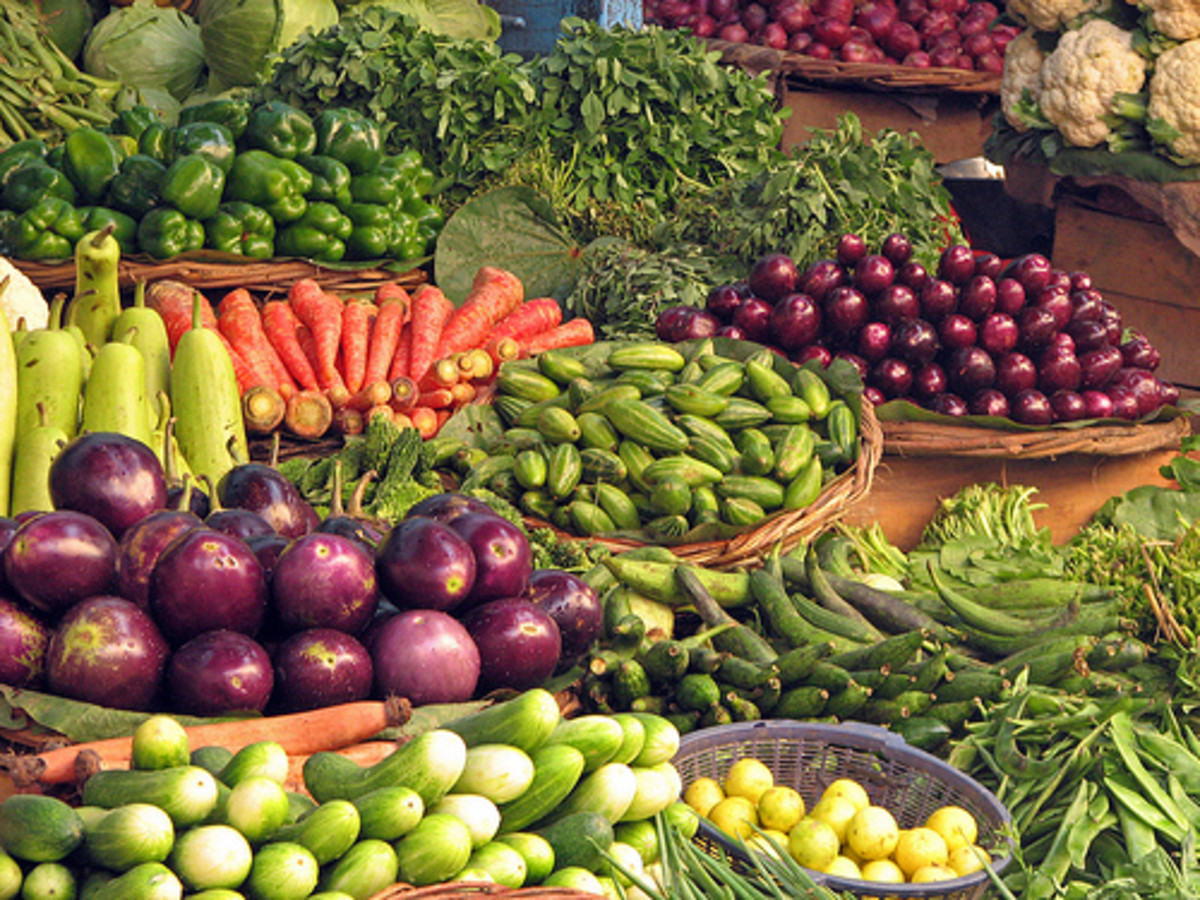 A rainbow-colored array of vegetables to choose from.