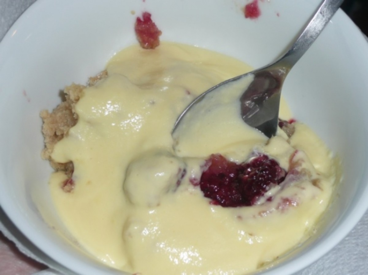 Try adding variety to your custard with a homemade fruit crumble!