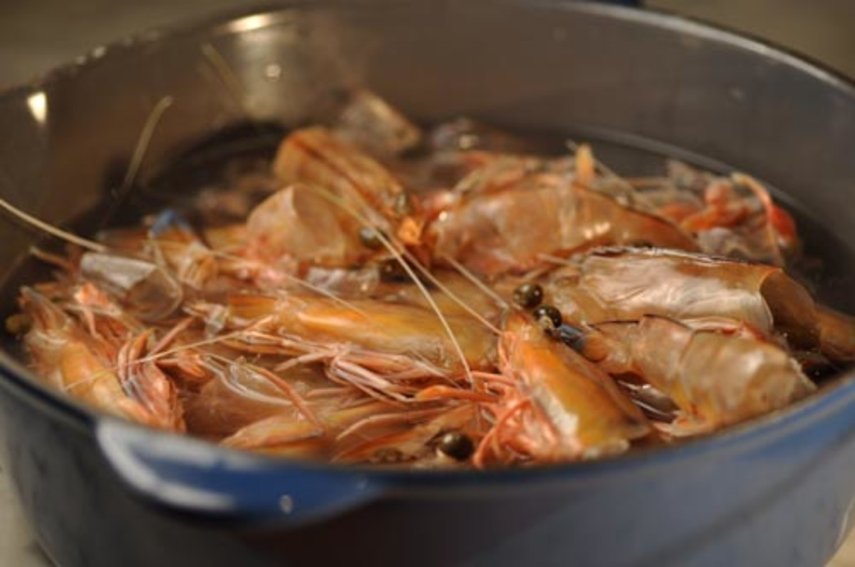 Preparing Prawn Stock
