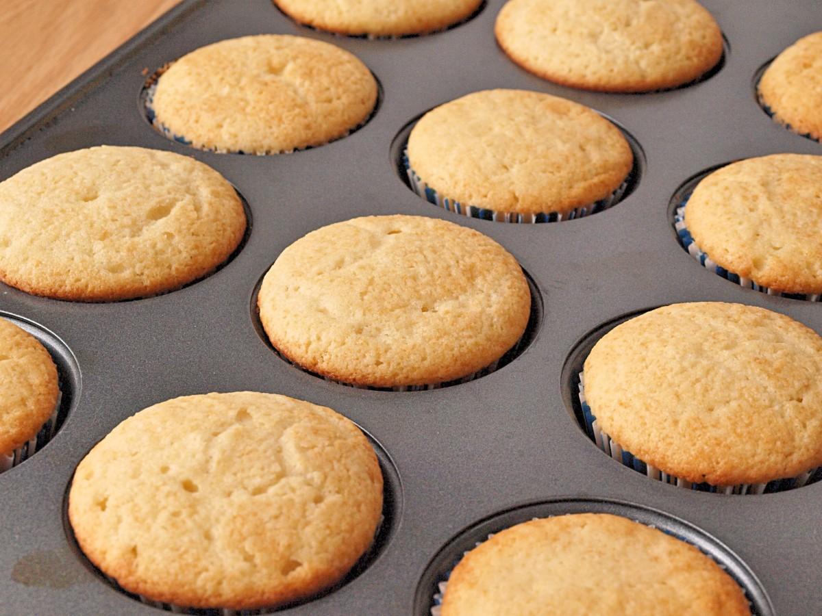 The Best Homemade Vanilla Cupcake Recipe Ever