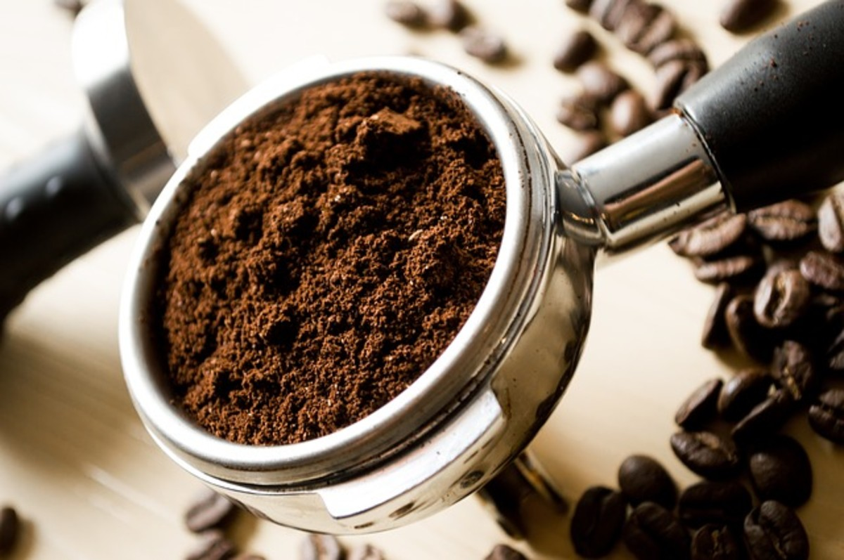 The ideal size of the grounds for brewing depends upon the type of coffee maker that you are using.  A French press for instance requires coarse grounds, for instance, whereas espresso machines generally require the grounds to be very fine.