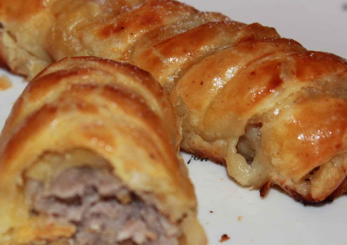 Fig 7) Crisp pastry and succulent sausage meat = quick and easy, tasty sausage rolls