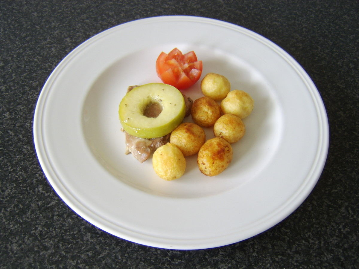Pork with apples and potatoes.