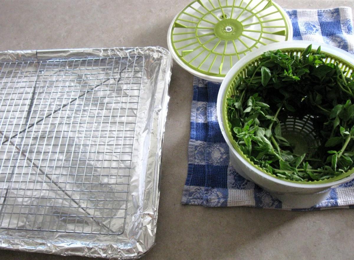 Tray with oregano spun dry
