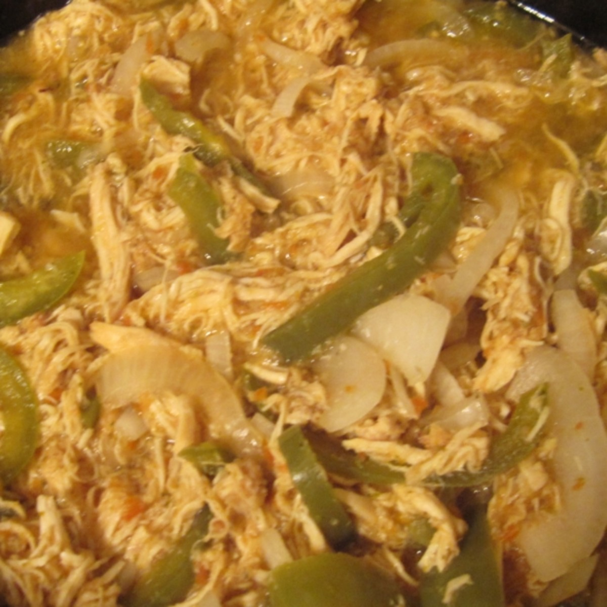 Crock Pot Chicken in Salsa Roja