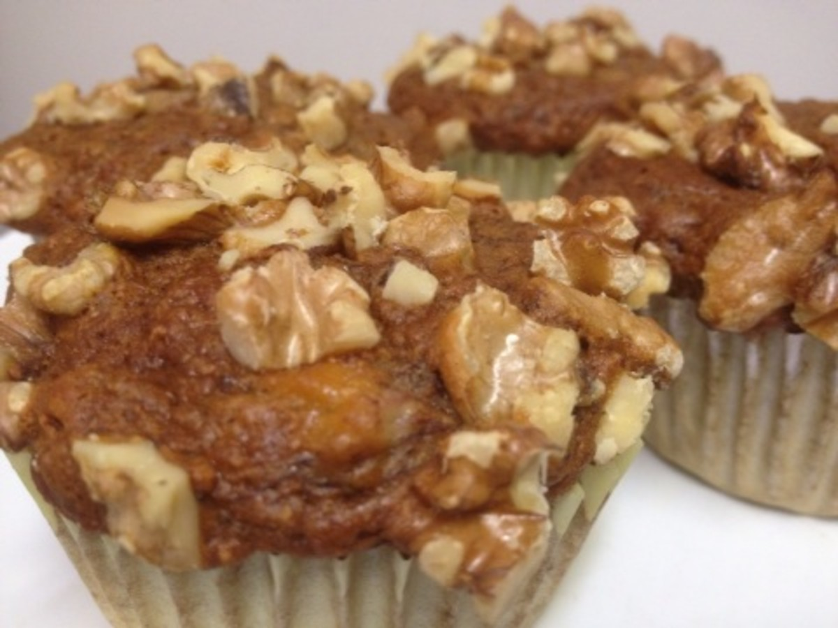 Healthy banana nut muffins. No sugar, no oil