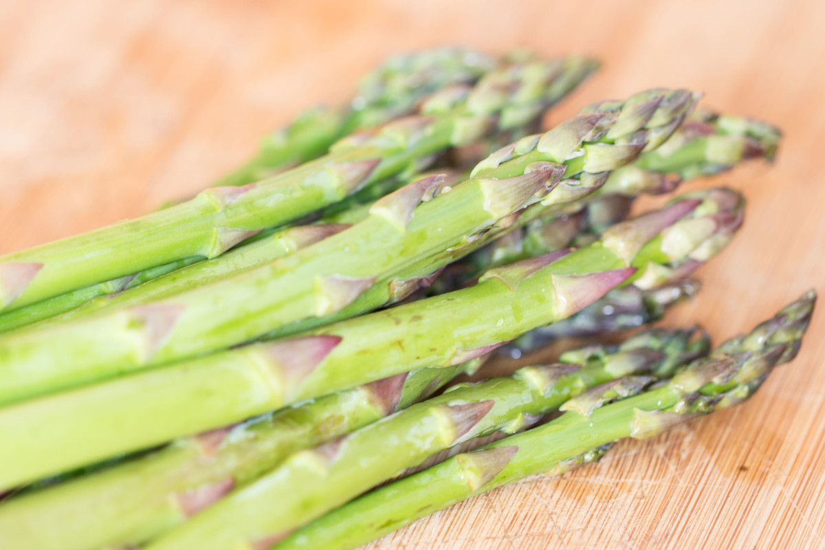 Fresh asparagus spears