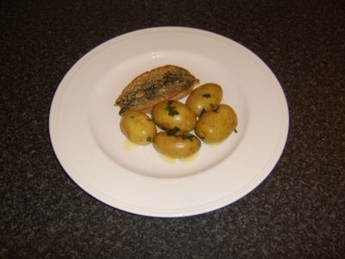Pan Fried Mackerel in Oatmeal with Minted New Potatoes
