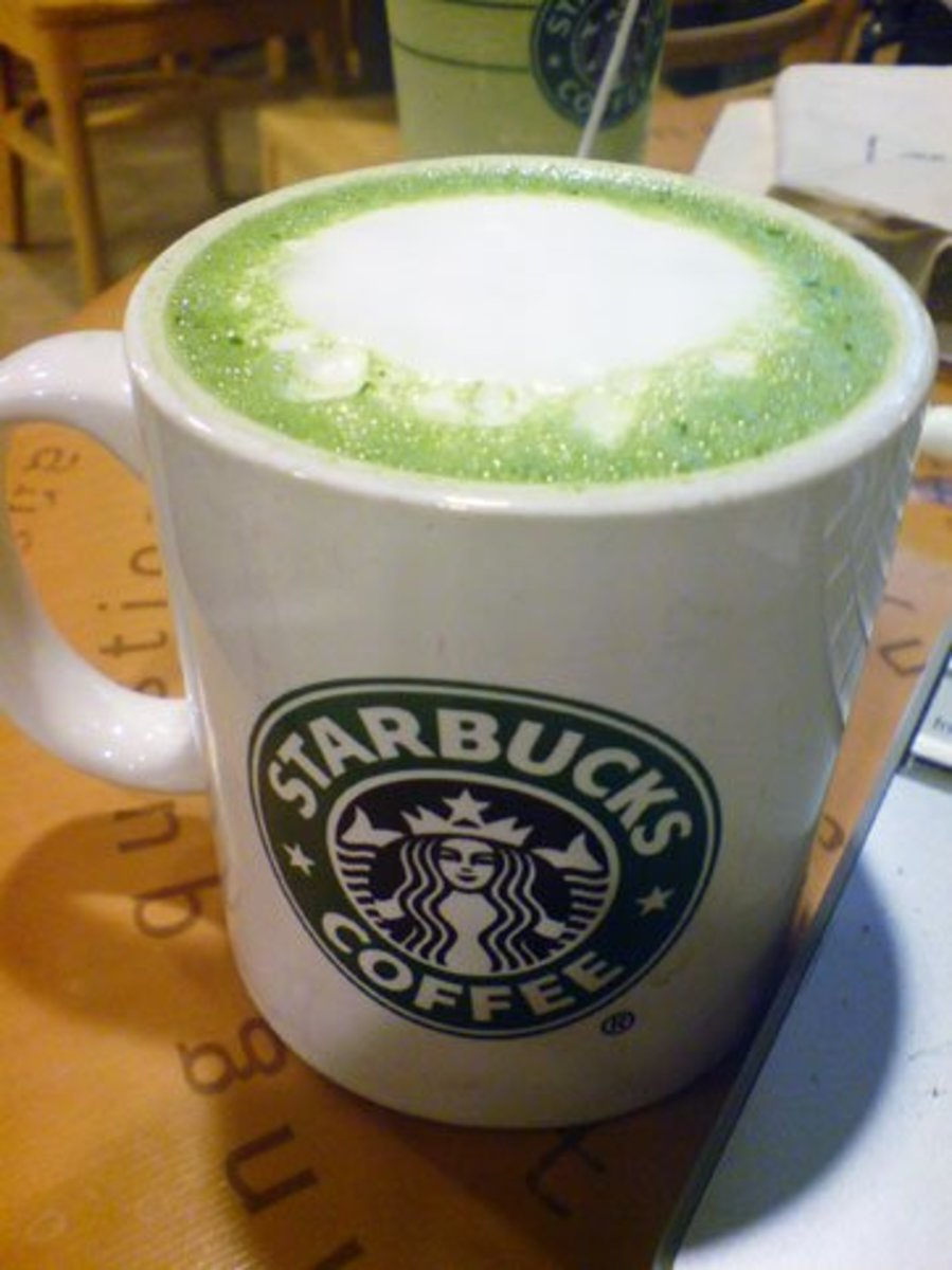 The color of the matcha makes this drink almost as cool looking as the vanilla rooibos tea latte.