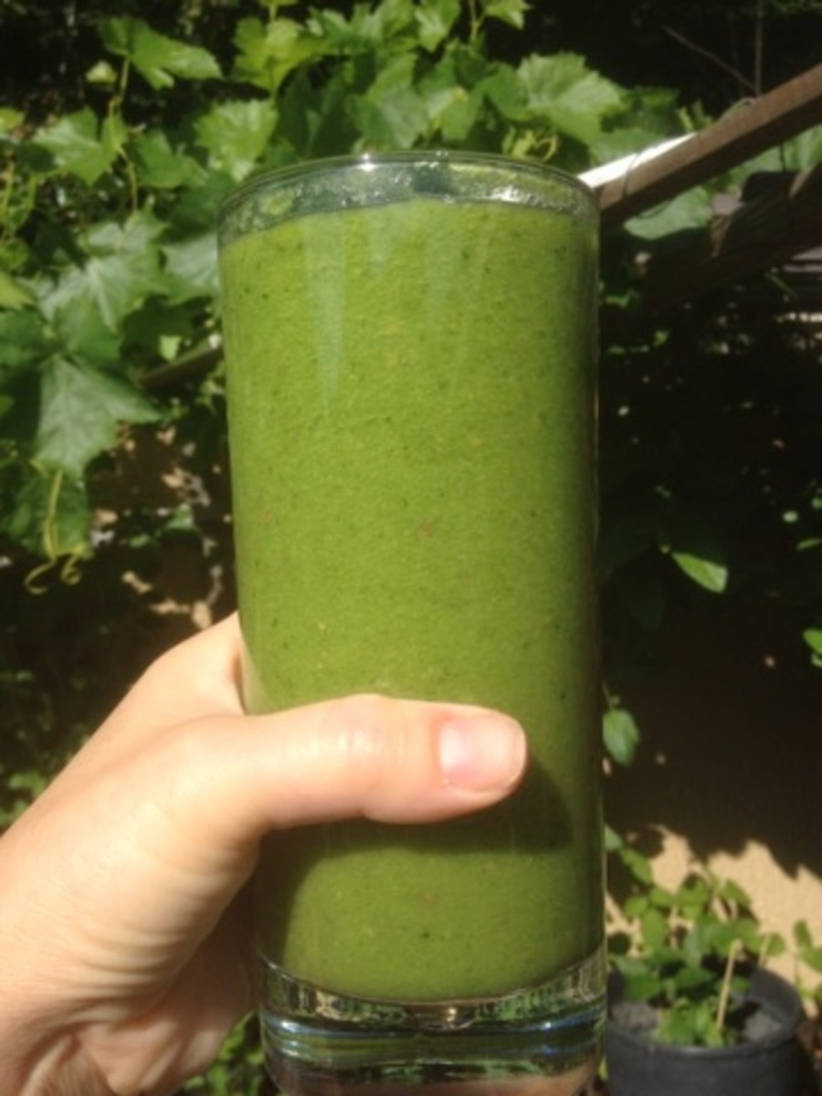 Glowing Green Smoothie and Beauty Detox
