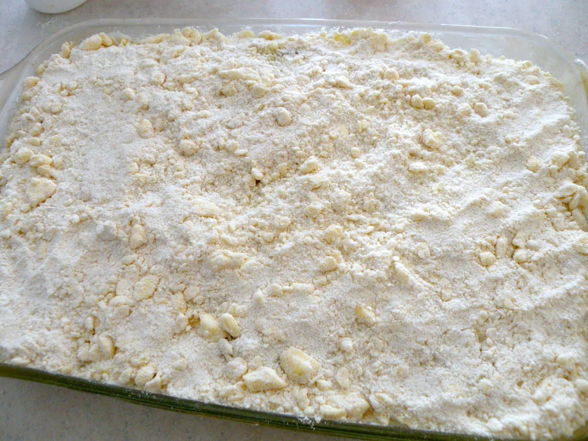 Spread remaining crumb mix on top of zucchini mixture.