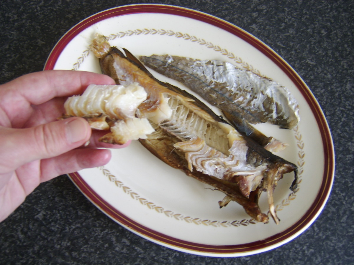 Arbroath smokie reheated wrapped in foil in the oven and eaten as intended - by hand