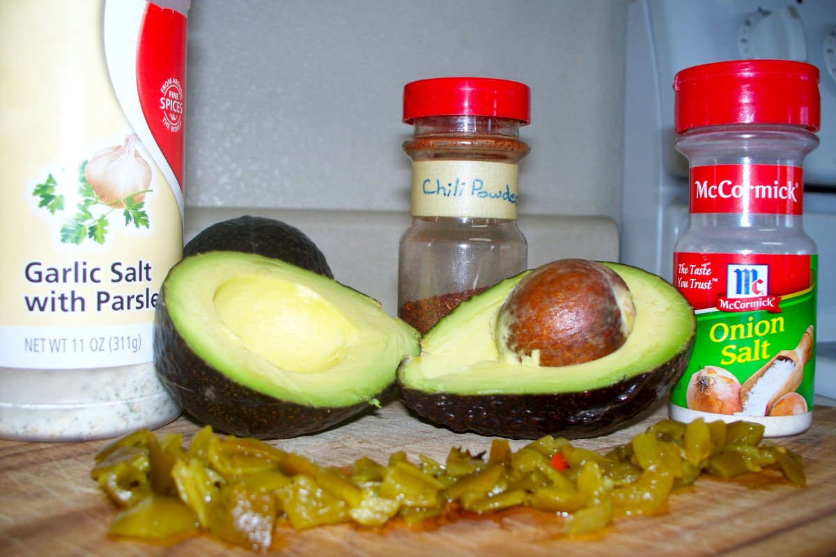 how-i-make-delicious-mexican-guacamole-in-five-minutes