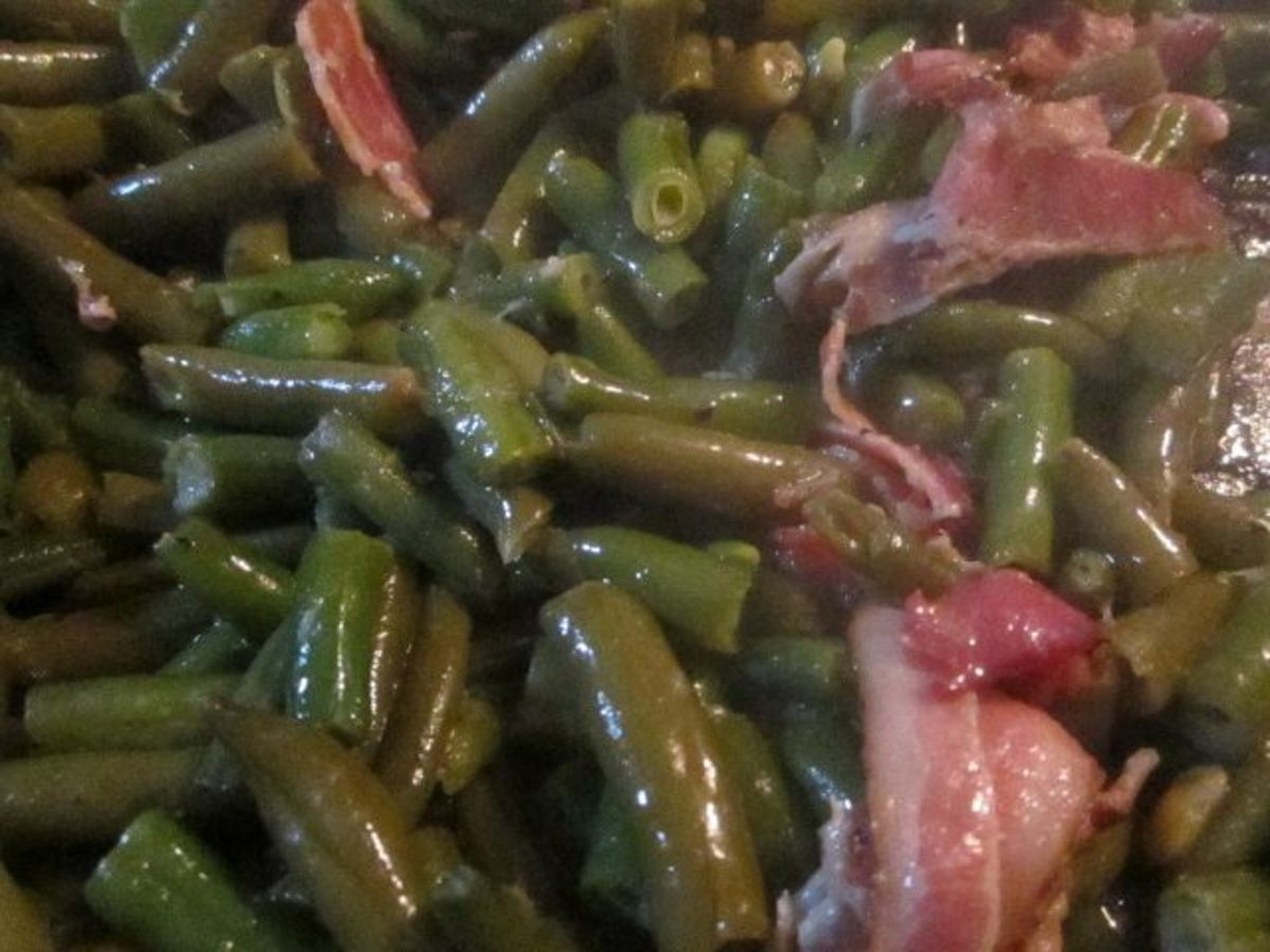 Cooked green beans. Notice how the colors have blended.