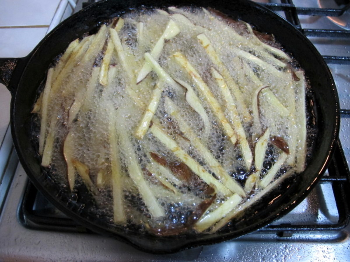 ...a cast iron skillet. Increase oil temperature to 375 Fahrenheit (190 C). Return fries to hot oil, in batches, and fry 3-4 minutes or until golden brown.