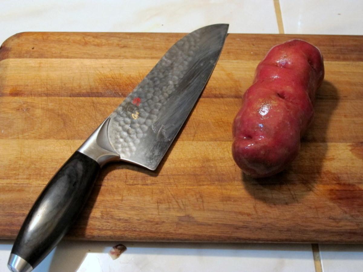 Start with a medium-sized starchy potato